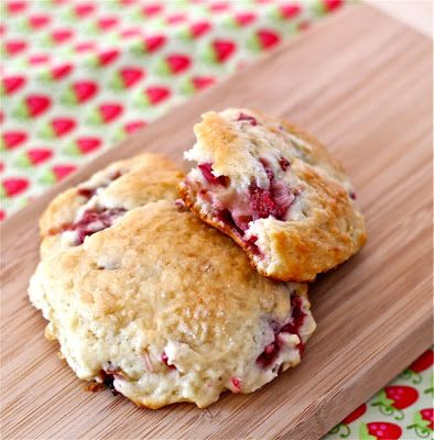 Strawberry-rhubarb drop scones: a recipe | www.yankeekitchenninja.com