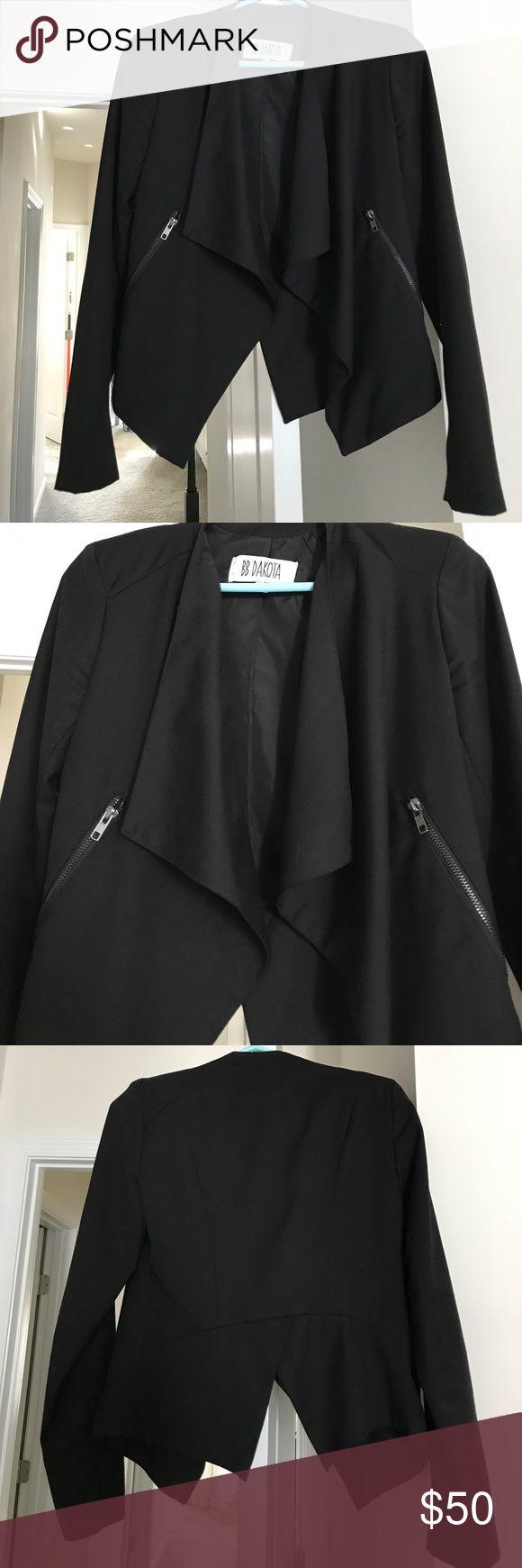 BB Dakota blazer Good condition. Functional zip front pockets. Black. Drape front blazer. Back slit. BB Dakota Jackets & Coats Blazers
