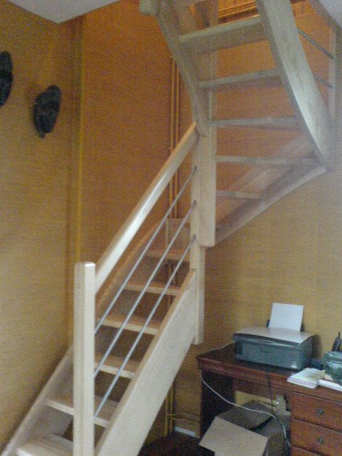 Best 25 escalier quart tournant ideas on pinterest for Escalier bois double quart tournant