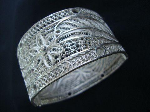 Silver Filigree Bracelet BG007c - SilverLinings.in
