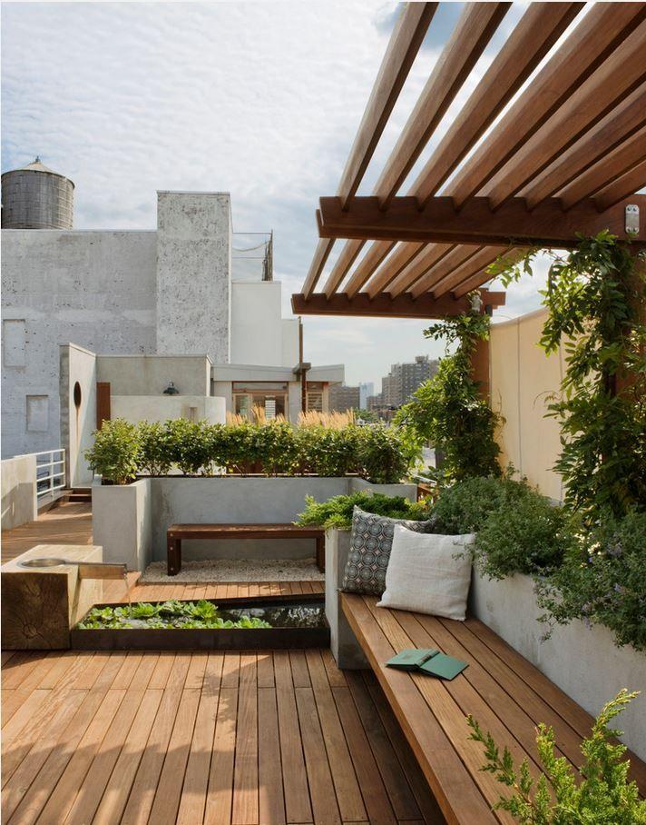 East Village Roof Garden Photo: Bilyana Dimitrova Urban rooftop outdoor pergola