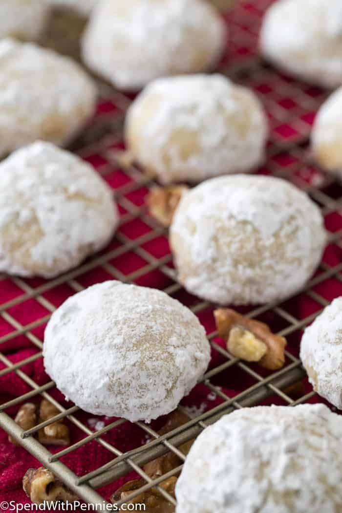 Classic Mexican Wedding Cookies These Are So Good And So Easy And Are Made Egg Free Mexican Wedding Cake Cookies Mexican Wedding Cookies Mexican Wedding Cake
