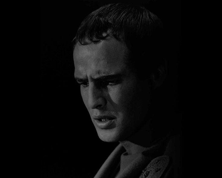 Julio César, emperador romano que marcó un antes y un después en la historia de Roma. A través de la melodiosa voz de Juan Antonio Cebrian y de su maravilloso Pasaje de la Historia, nos adentramos en la vida de este personaje,