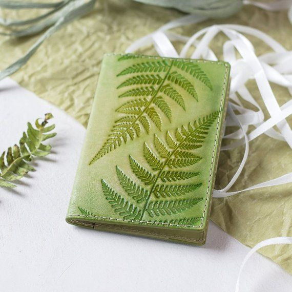 Light Green Leather Business Card Holder – Small Women's Wallet – Personalized Credit Card Case – Fern Botanical Ornament