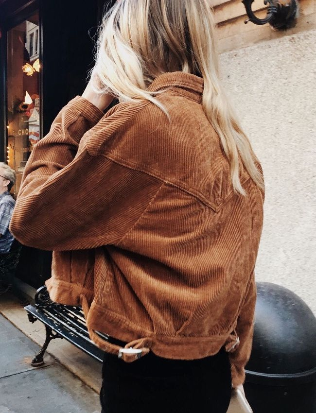Oui à la fusion entre velours côtelé et veste en jean ! (photo Christie Tyler)