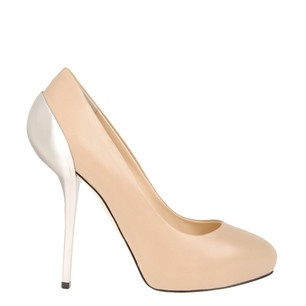 Again... Giuseppe Zanotti. I am in love with this designer. I will have these one day.