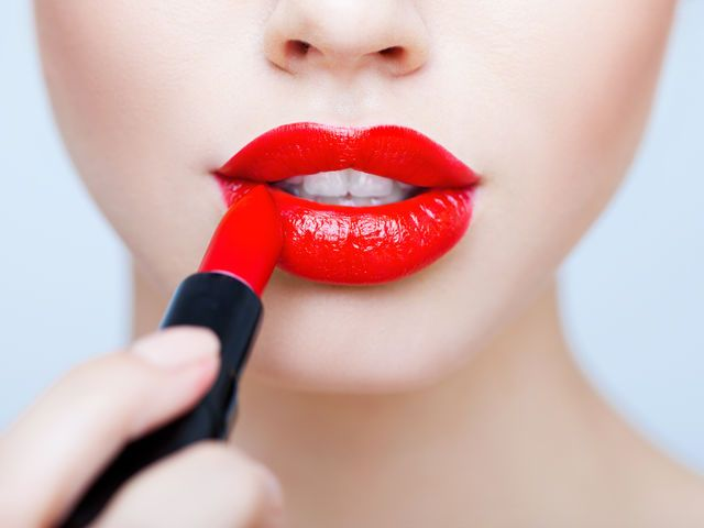 What Does Your Shade of Lipstick Say About Your Psyche?   PlayBuzz