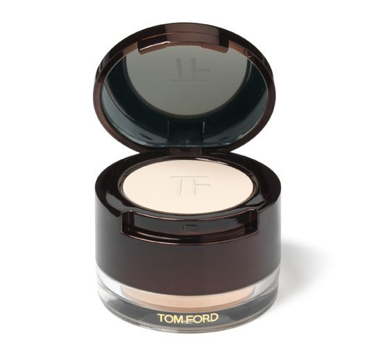 Eye Primer, Tom Ford http://www.vogue.fr/beaute/shopping/diaporama/bases-de-belle-peau-peau-photoshop-peau-parfaite/14645/image/808244#!belle-peau-eye-primer-tom-ford
