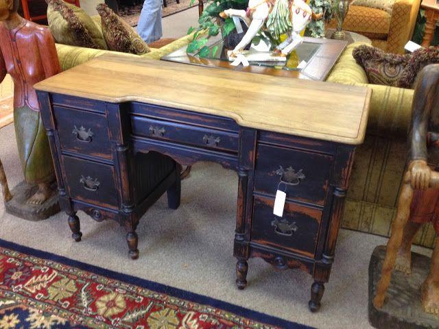 Sensible-Redesign: 3 legged desk