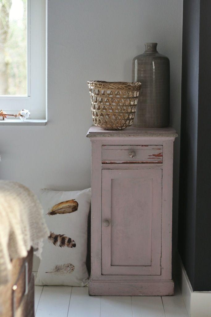 Annie Sloan Krijtverf en Annie Sloan Workshops www.debestekrijtverf.nl | My lovely pink cabinet