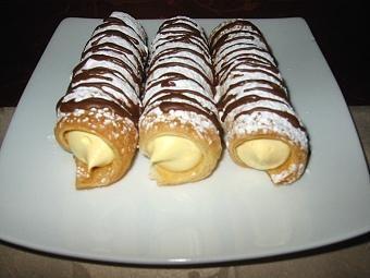 Das perfekte Schillerlocken mit Bananencreme-Rezept mit einfacher Schritt-für-Schritt-Anleitung: Pudding nach Angaben auf der Verpackung kochen und…
