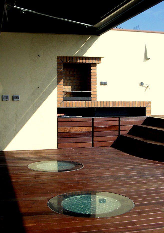 Mooi voorbeeld van daglichtsysteem toegepast op een terras. Onderliggende ruimte krijgen optimaal daglicht binnen, een aanrader voor architecten !!
