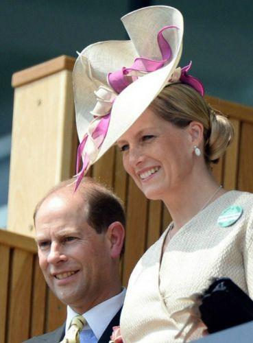 De gravin van Wessex, 19 juni 2013   De Koninklijke Hoeden Blog