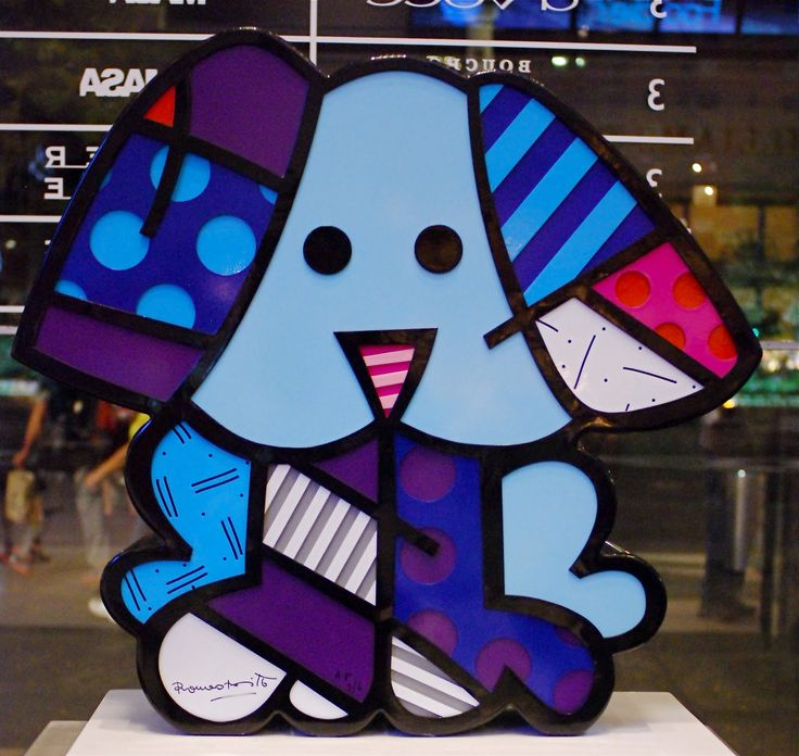 Romero Britto could be cool to make sculptures of glass based on his work!