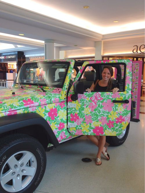 prettiest jeep ever lilly pulitzer style i 39 ve always dreamed of painting a car this is. Black Bedroom Furniture Sets. Home Design Ideas