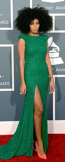 Solange Knowles hits the 2013 Grammys red carpet!