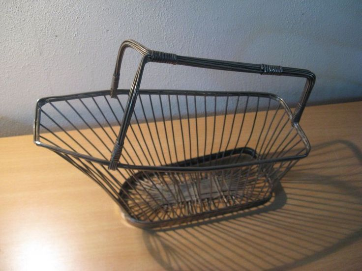 Antique French winebasket c.1920... #NaivePrimitive