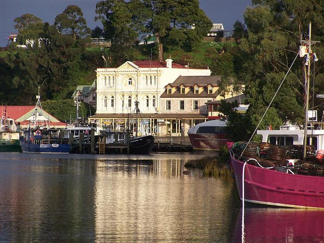 Proving that small towns sometimes offer the best in Tasmania, Strahan shows outstanding visuals, amazing wilderness and a stunning heritage railway.