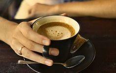 So einfach und so effizient! Kaffee mit Zimt, Honig und Kokosöl
