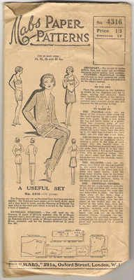 RARE 1920s Sewing Pattern / Lounging by RainbowValleyVintage