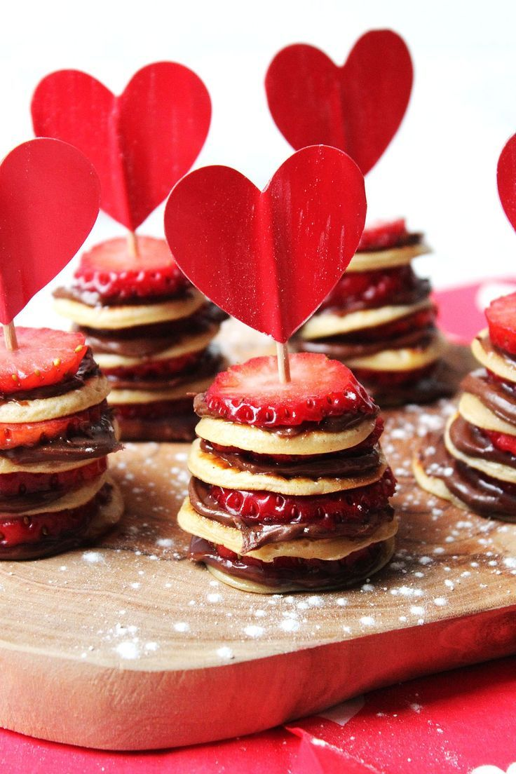 Mini Pancake Stacks with Nutella and Strawberries …