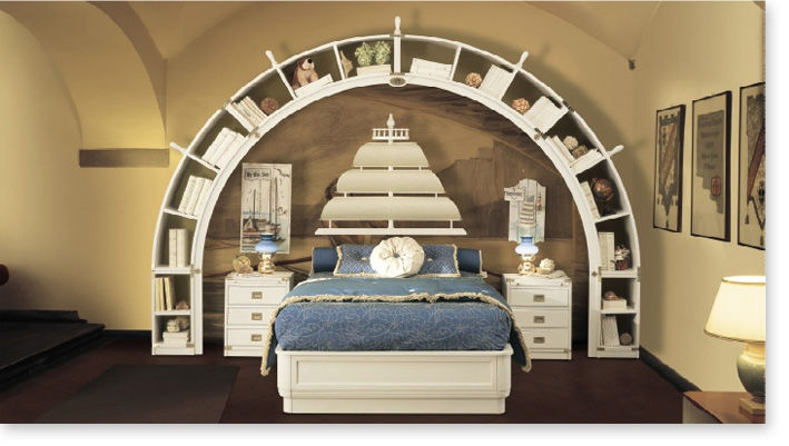 Vybavení dětského pokoje pro kluky by Caroti. Postel, poličky, noční stolky a dekorace v námořnickém stylu http://www.saloncardinal.com/galerie-by-caroti-0e9