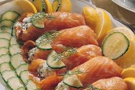 Jajka faszerowane z łososiem wędzonym