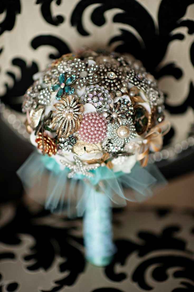 Brooch Bouquet Using Flower Brooches Wedding Flowers Pinterest - Find this pin and more on wedding rehearsal dinner