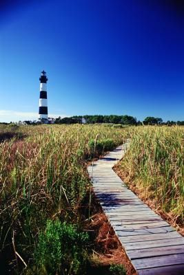 Inexpensive Getaways in Eastern North Carolina :: Outer Banks :: Bodie Island Lighthouse