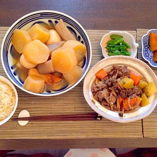 主人の帰りが早かったので、一緒に晩御飯‼︎ - 14件のもぐもぐ - おでん  プルコギ肉じゃが   絹サヤの中華炒め   カボチャの煮物 by ayanakata9lKi