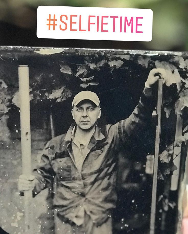 During tests of 15 months old cadmium based collodion. Exposure time 1 minute. Taken on a cheap black tin. Therefore those stains  #kolodium #tintype #eastman #kodak #60seconds #selfietime #spiritlevel