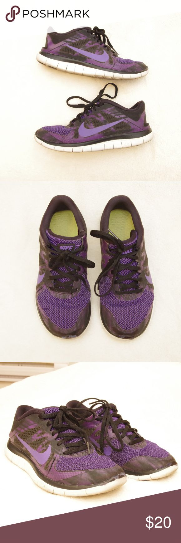 Nike Free Run 4.0 Sneaker Running Shoes Flex Size 6.5 womens.  Show some rubbing/scuffing on front toe area. Nike Shoes Sneakers