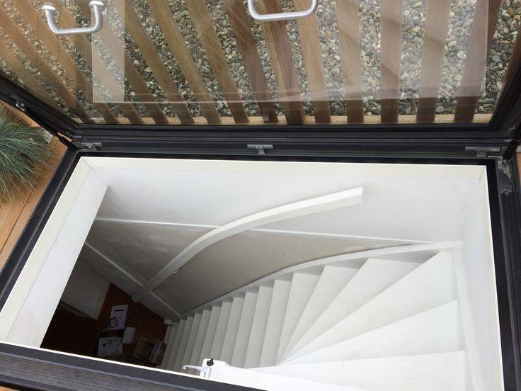 Dakterras.nl dakluik met fraaie aansluiting via vaste trap op dakterras