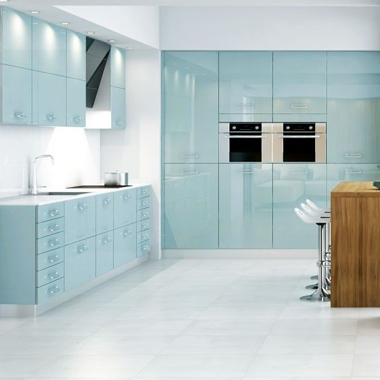 Sleek and modern powder #blue #kitchen #trends