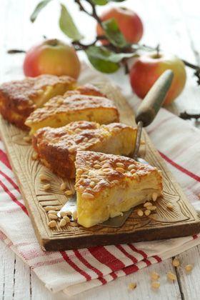 Æblekage med nødder