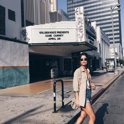 Yesterday around LA! Love to be here 🇺🇸☀️#collageontheroad #LosAngeles (en Mid-Wilshire, Los Angeles)