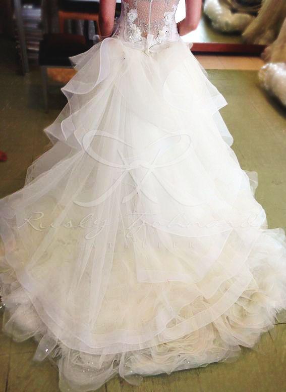 Fitting for our bride #fitting #back #train #wedding #bride #weddinggown #weddingdress #tulle #ruffles #ruslytjohnardi #ruslytjohnardiatelier #couture #hautecouture