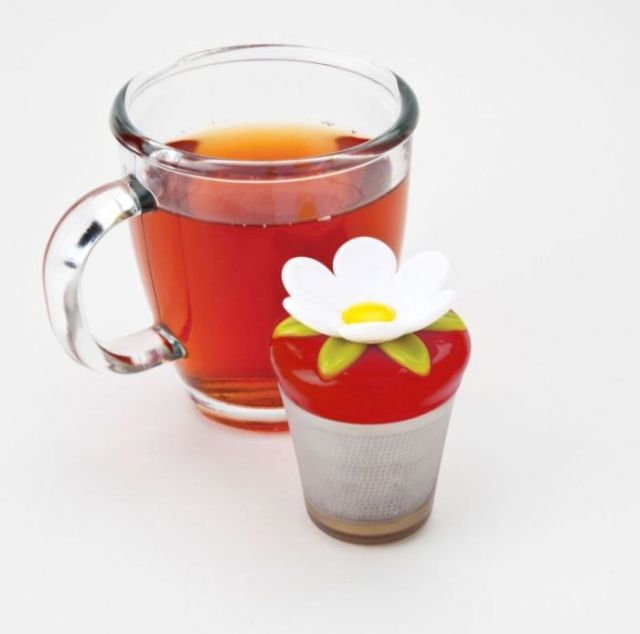Zaparzaczka do herbaty, kwiat czerwony
