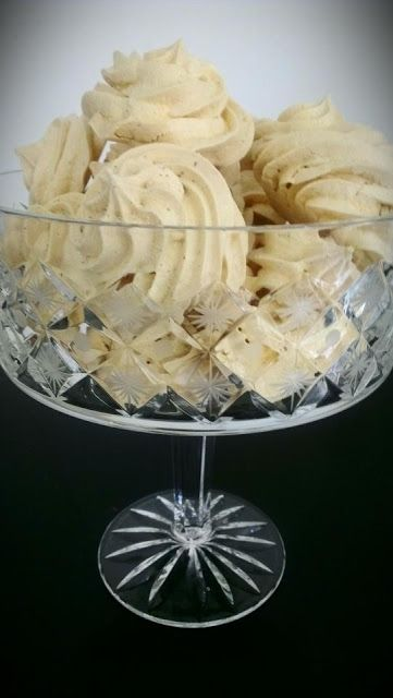 Your Inspiration At Home Lemon Myrtle Meringues #YIAH www.jofryer.yourinspirationathome.com.au