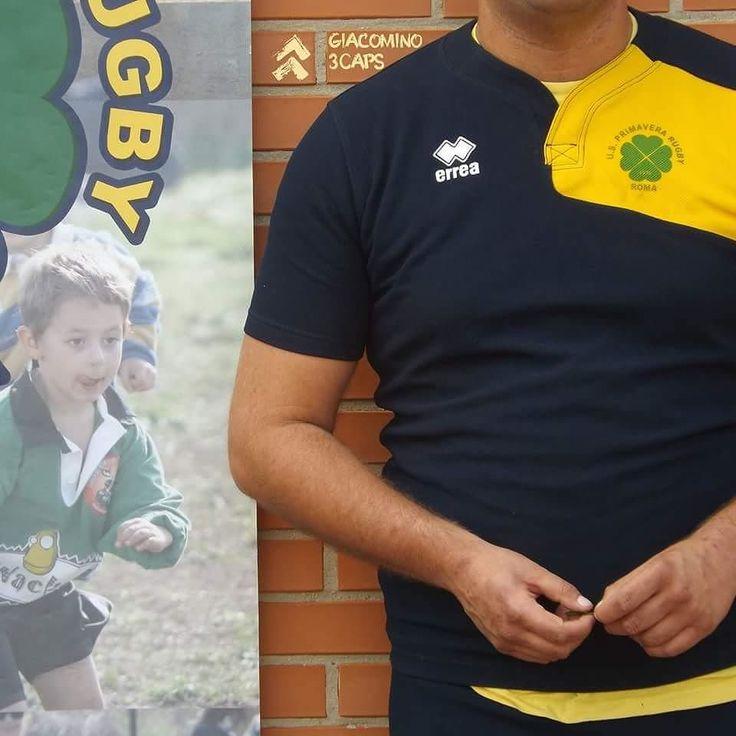 Stessa posizione del cavalletto...stesso posizionamento della macchinetta...stesso zoom... qualcosa non torna...  con @usprimaverarugby e @sorte__  Abbigliamento: @erreasport  #autism #autismawareness #autismo #autismoadulti #rugby #rugbyautismo #noicimettiamolafaccia #sempre2aprile