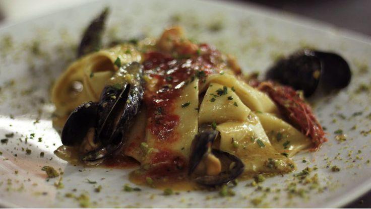 Pappardelle pistacchi, ricci, cozze... una bontà di #scopello - http://www.vacanzesiciliane.net/aziende/ristorante-il-baglio-scopello/