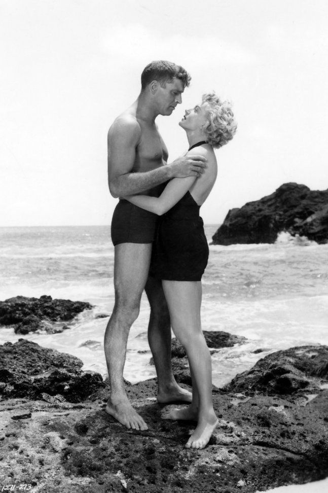 FROM HERE TO ETERNITY (1953) - Burt Lancaster & Deborah Kerr:
