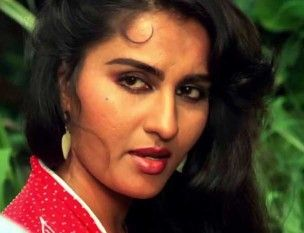 """""""Strangers Can Say Vicious Things But It Is Those Whom We Truly Love That Can Actually Damage Our Soul With Their Piercing Words!!!"""" (REENA ROY Said It) https://m.facebook.com/Reena-Roy-Sai-It-121102858282958/"""