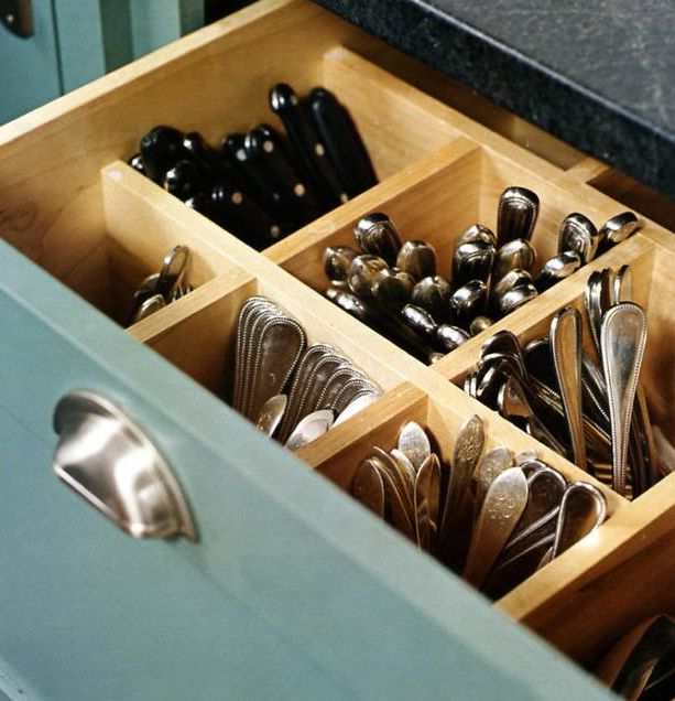 Vertical silverware storage drawer. I LOVE this because I don't like trying to make stacked silverware stay stacked!