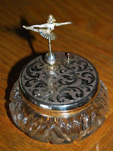 *Deco/Neuveau Ballerina-1940 music box I HAVE THIS ONE , I T WAS GRAMMA ANN RATHBUNS