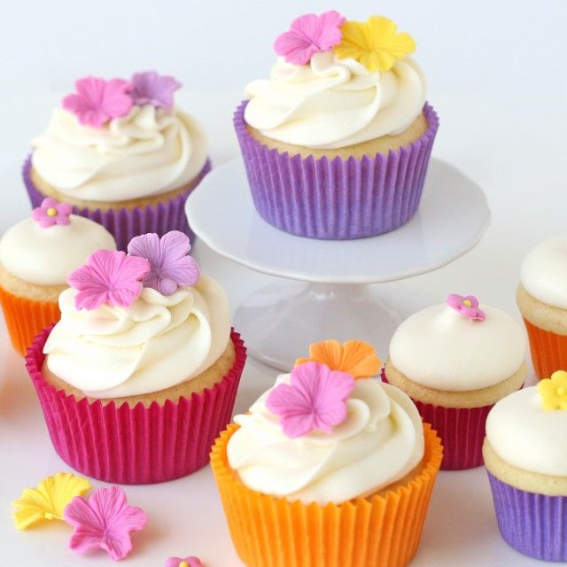 Pretty Summer Luau Cupcakes