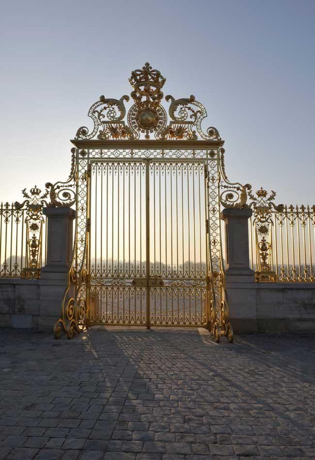 """Portail du """"roi soleil"""" de Versailles - France"""