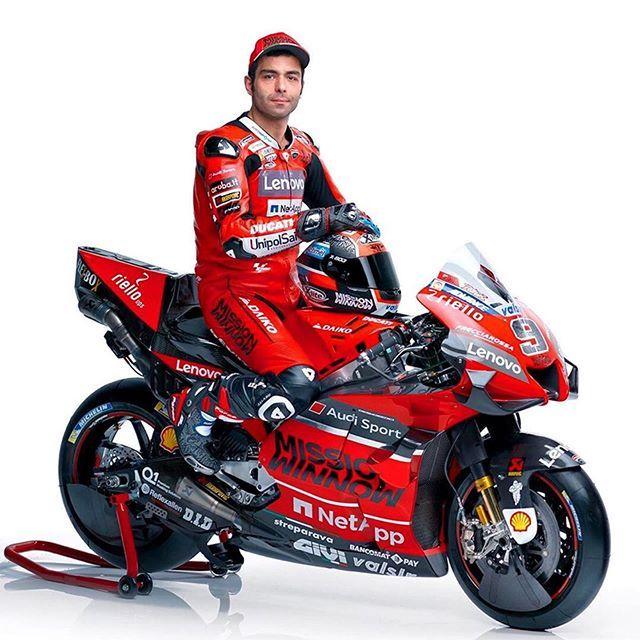 Nuevas Ducati Desmosedici Gp 2020 Para Motogp Que Os Parece Este Nuevo Lk Podeis Seguir En Directo La Presentacion Del Ducati Team In 2020 Motogp Teams Motogp Ducati
