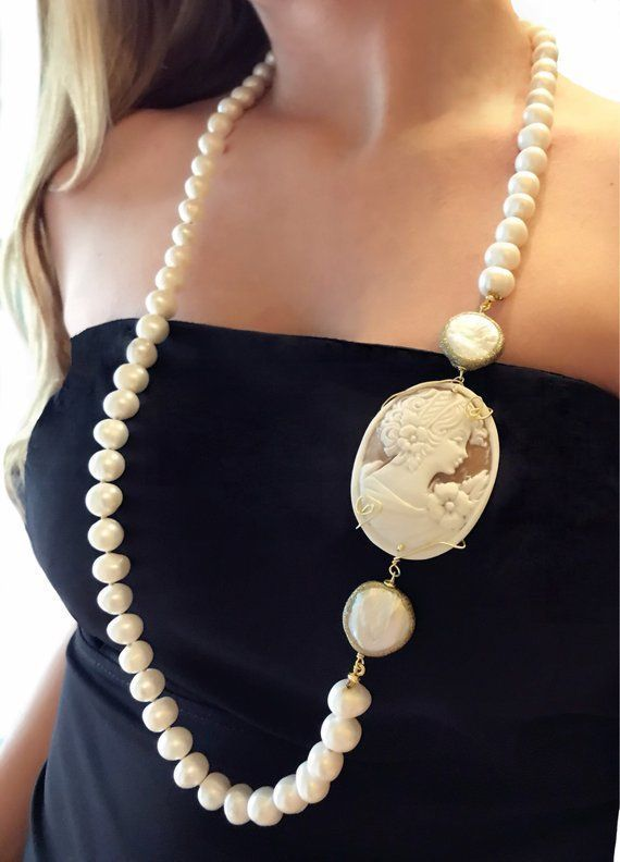 Collana perle e cammeo, collana lunga, regalo compleanno mamma