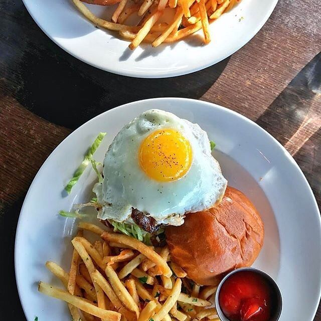 National Burger Day would just not be complete with out a Whisknladle Burger. Shhhh don't tell but we celebrate this one everyday! . . . Photo by: @simicooks  #nationalburgerday #brunch #dinner #longweekend #weekend #memorialday #sunday #burger #weekendvibes #bestbrunch #sandiegofoodie #sandiegobrunch #dinelocal #lajolla #foodie #comfortfood #youstayhungrysandiego #specialtyproduce #lajollalocals #sandiegoconnection #sdlocals - posted by   https://www.instagram.com/prepkitchen. See more post…